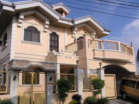 House for Sale - Elegant House in Pasig