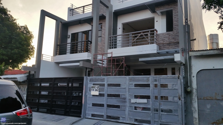 House for Sale - House for Sale Multinatiional Village Paranaque City