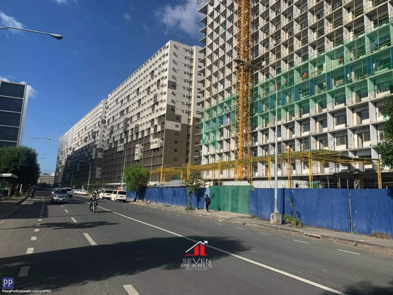 Apartment and Condo for Sale - 1BR Unit Shore 3 Residences I For Sale