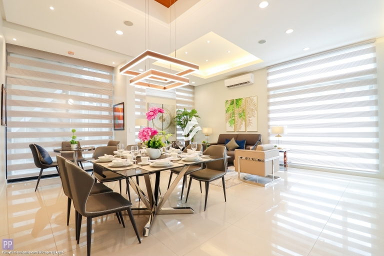House for Sale - 4-STOREY TOWNHOUSE FOR SALE IN QUEZON CITY NEAR SCOUT AREA, TOMAS MORATO AND NEW MANILA