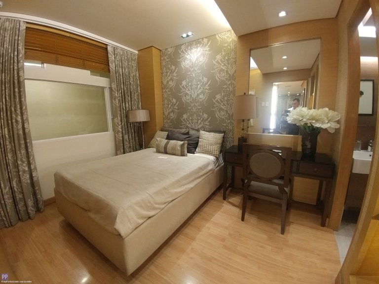 Apartment and Condo for Sale - 2 BEDROOMS WITH BALCONY RFO RENT TO OWN MANHATTAN HEIGHTS CONDO IN ARANETA CENTER NEAR GATEWAY MALL AND SM CUBAO