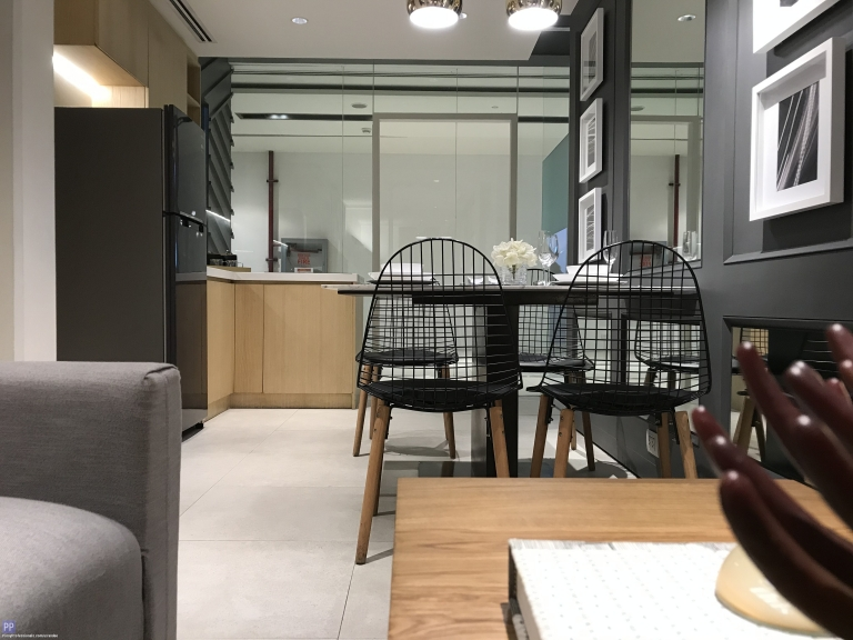 Apartment and Condo for Sale - 1 BEDROOM CONDO FOR SALE IN MANDALUYONG NEAR SM MEGAMALL AND GREENFIELD DISTRICT. AS LOW AS 25,000 / MONTH